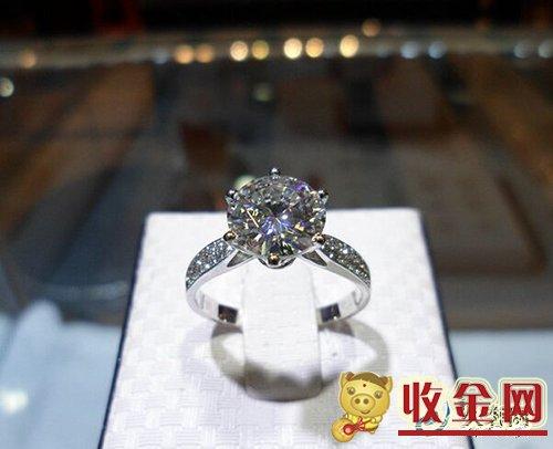 莫桑石和钻石有什么区别?可以回收么?